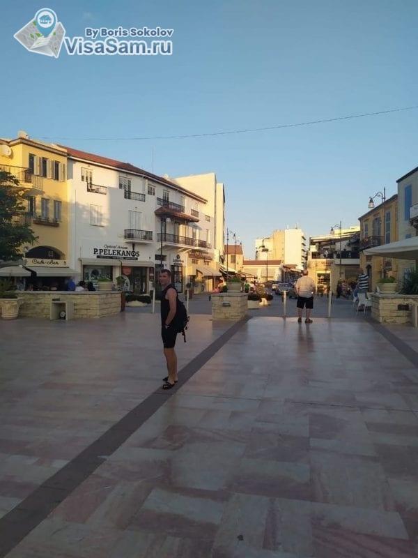 площадь около церкви Святого Лазаря