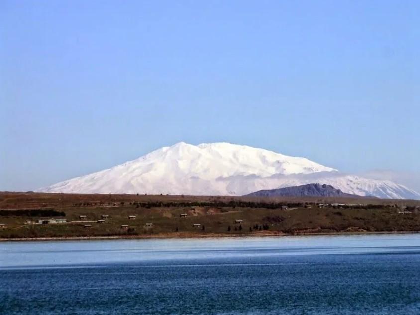 Гора Сюпхан